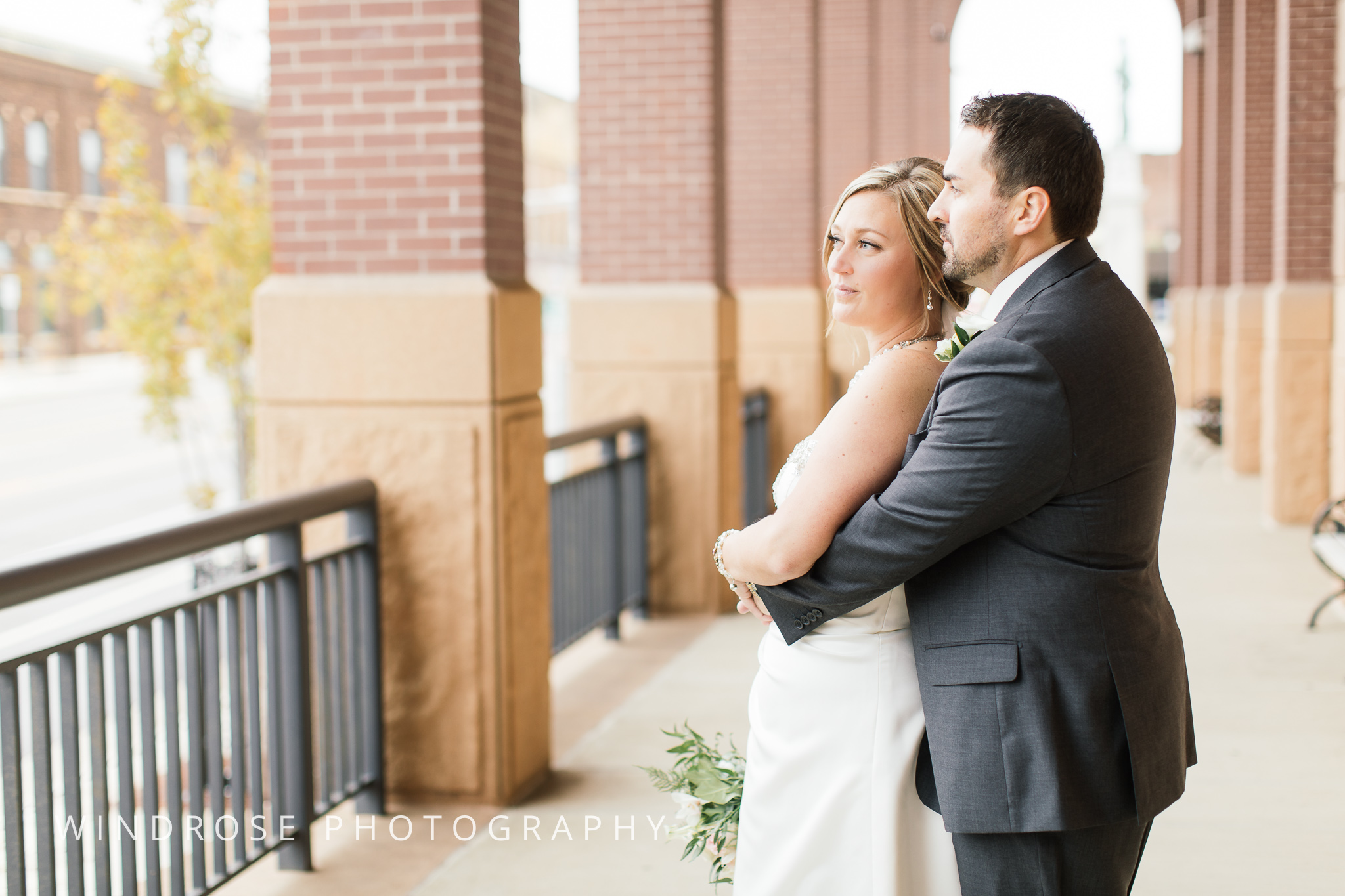 Albert-Lea-Edgewater-Bay-Pavilion-Minnesota-Wedding-Photographer-19.jpg