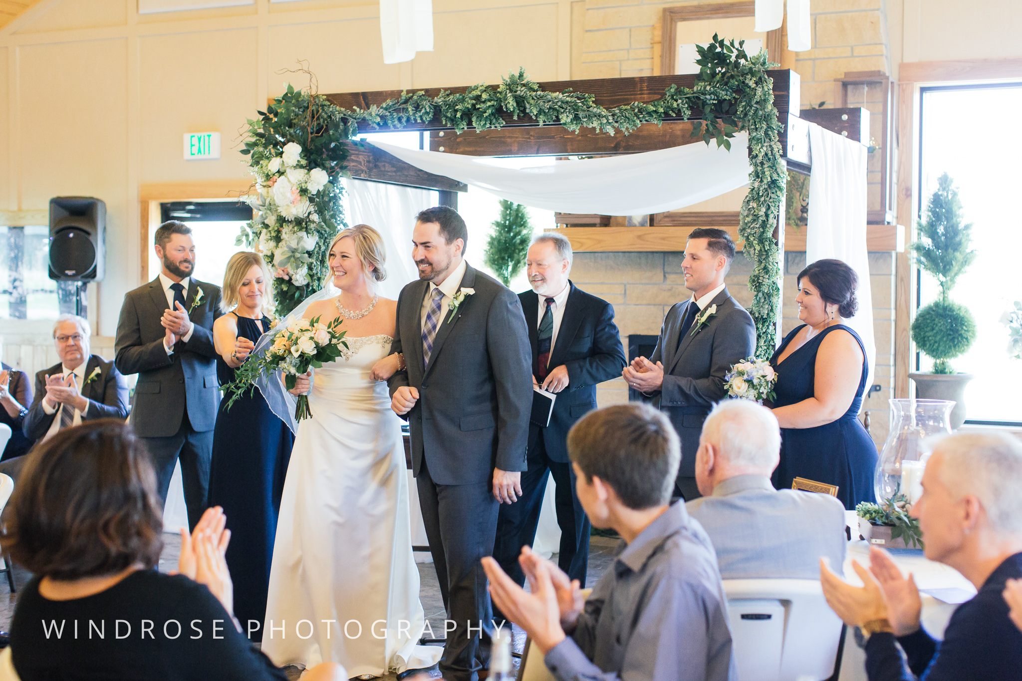 Albert-Lea-Edgewater-Bay-Pavilion-Minnesota-Wedding-Photographer-28.jpg