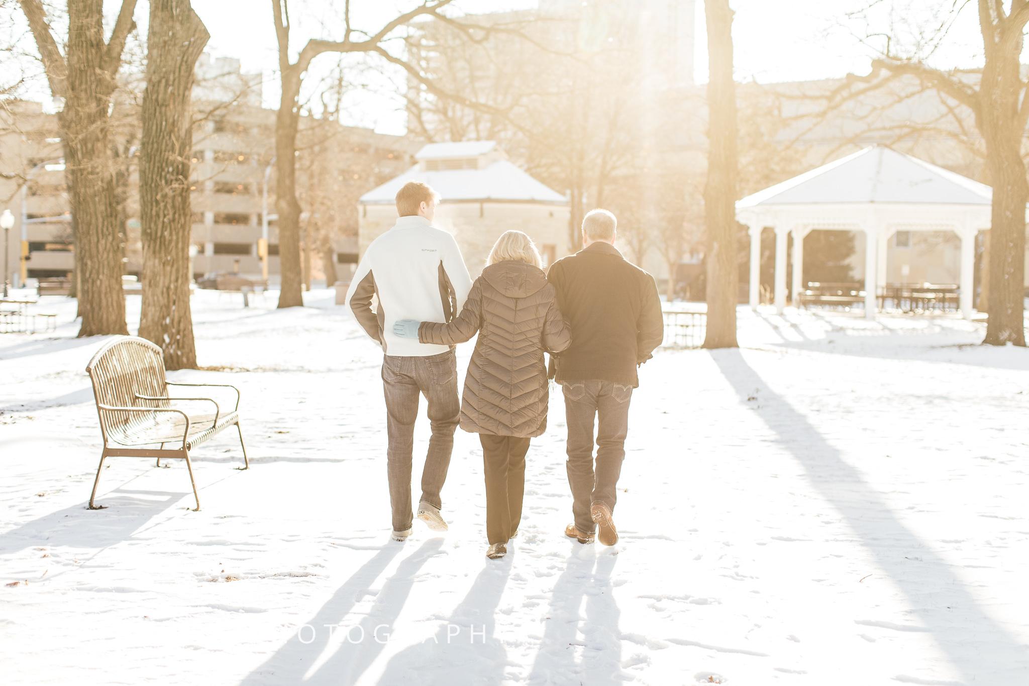 Central-Park-Rochester-Family-Portrait-2.jpg