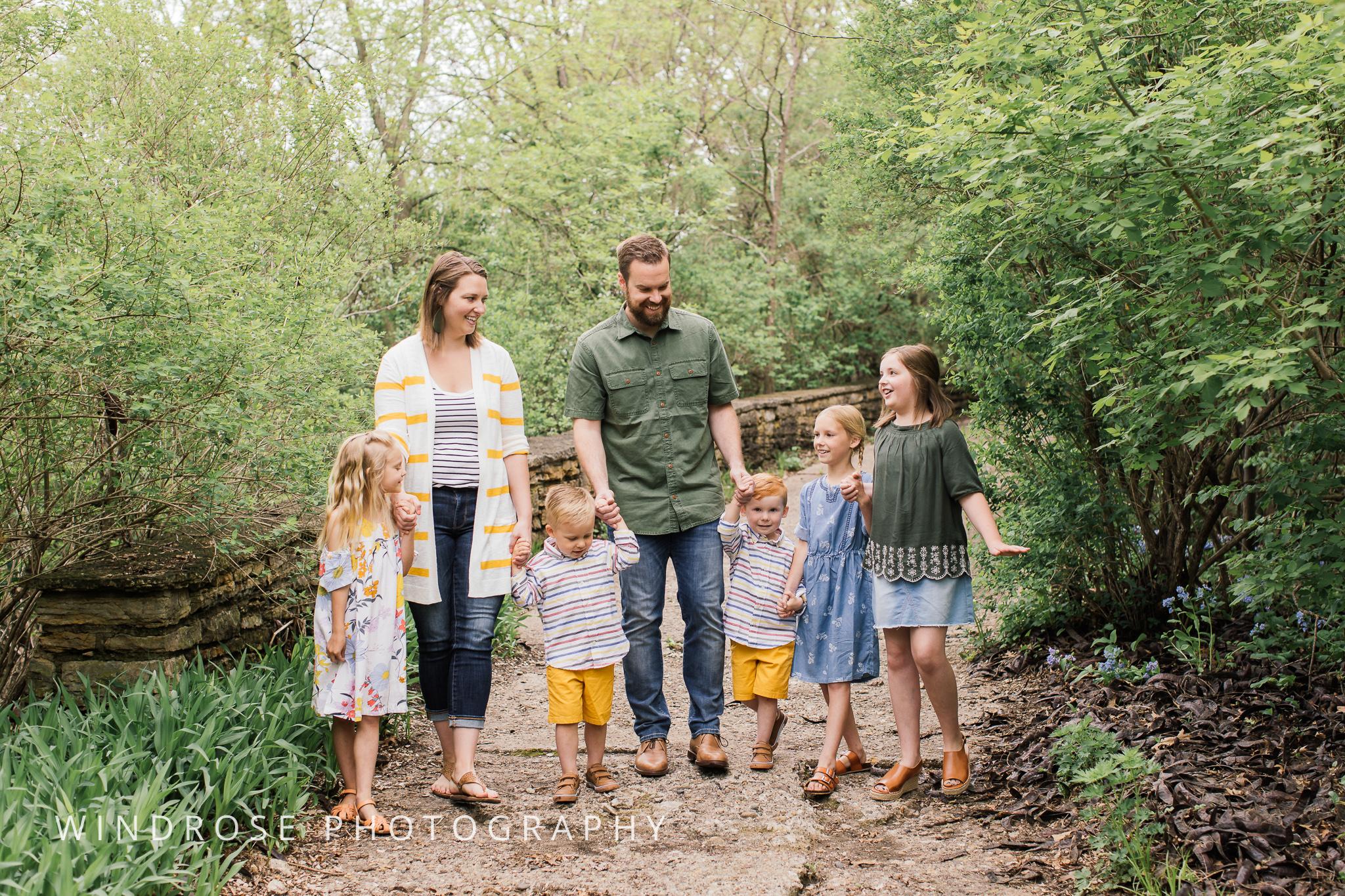 Plummer-House-Rochester-MN-family-portraits-9.jpg