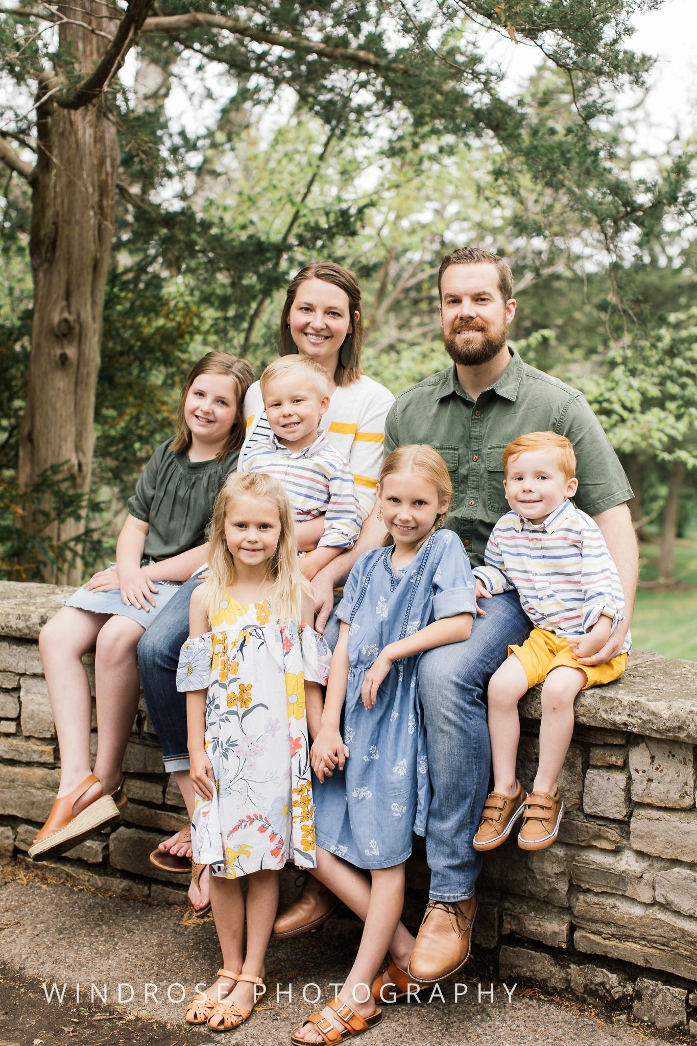 Plummer-House-Rochester-MN-family-portraits-16.jpg