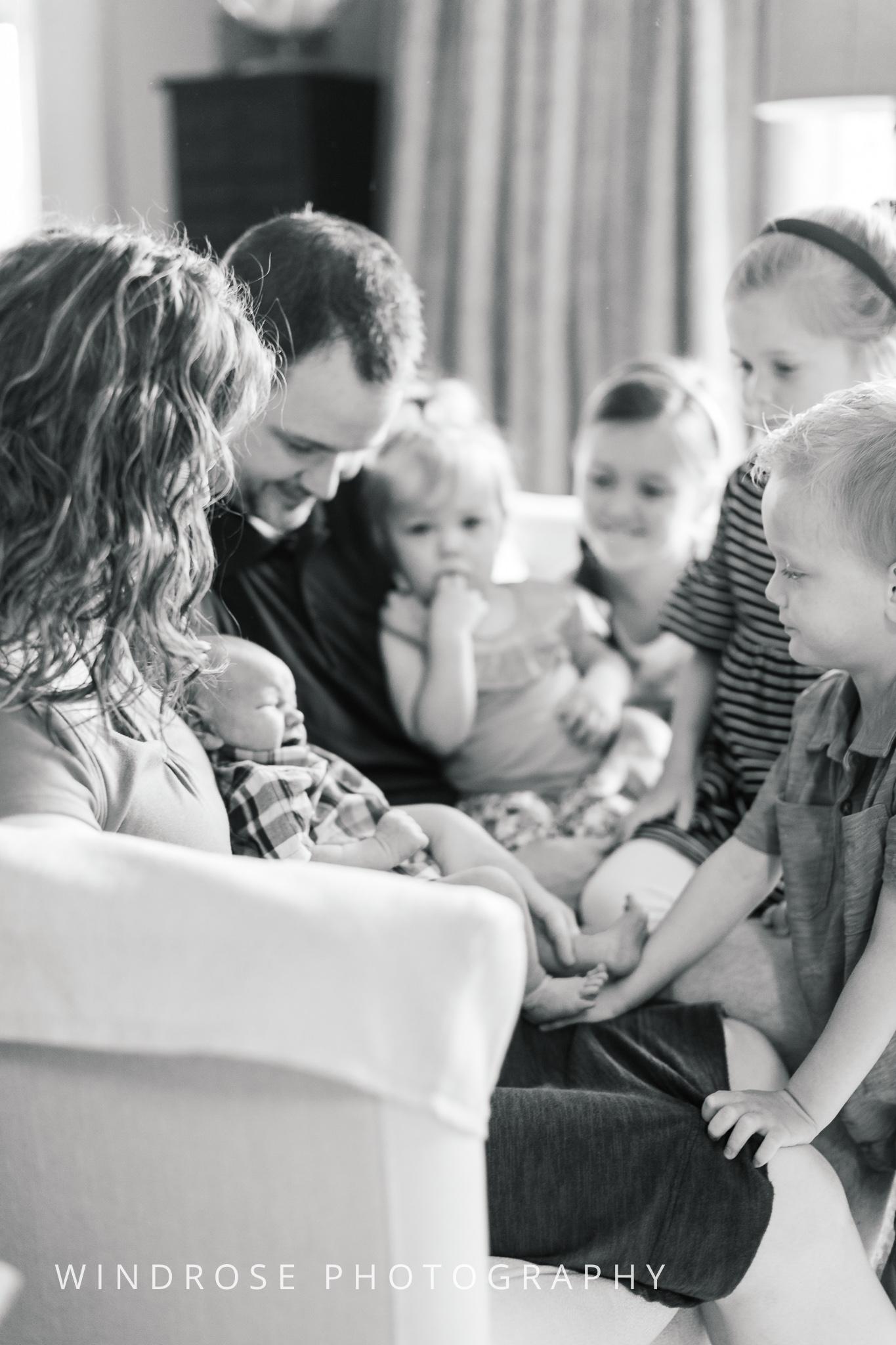 Newborn-Portraits-Rochester-MN-B&W-3.jpg
