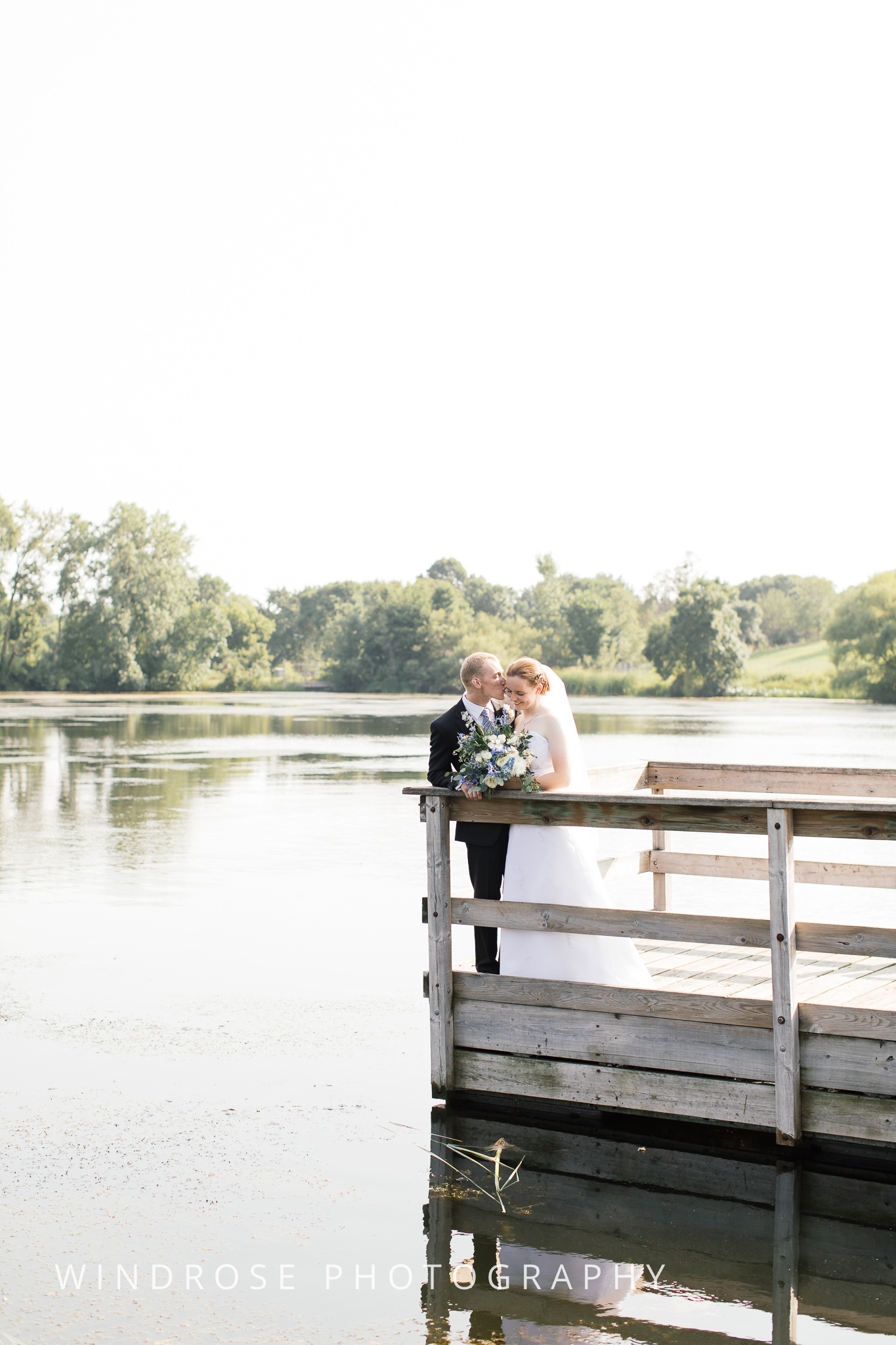 Wedding-Dakota-Lodge-St-Paul-MN-15.jpg
