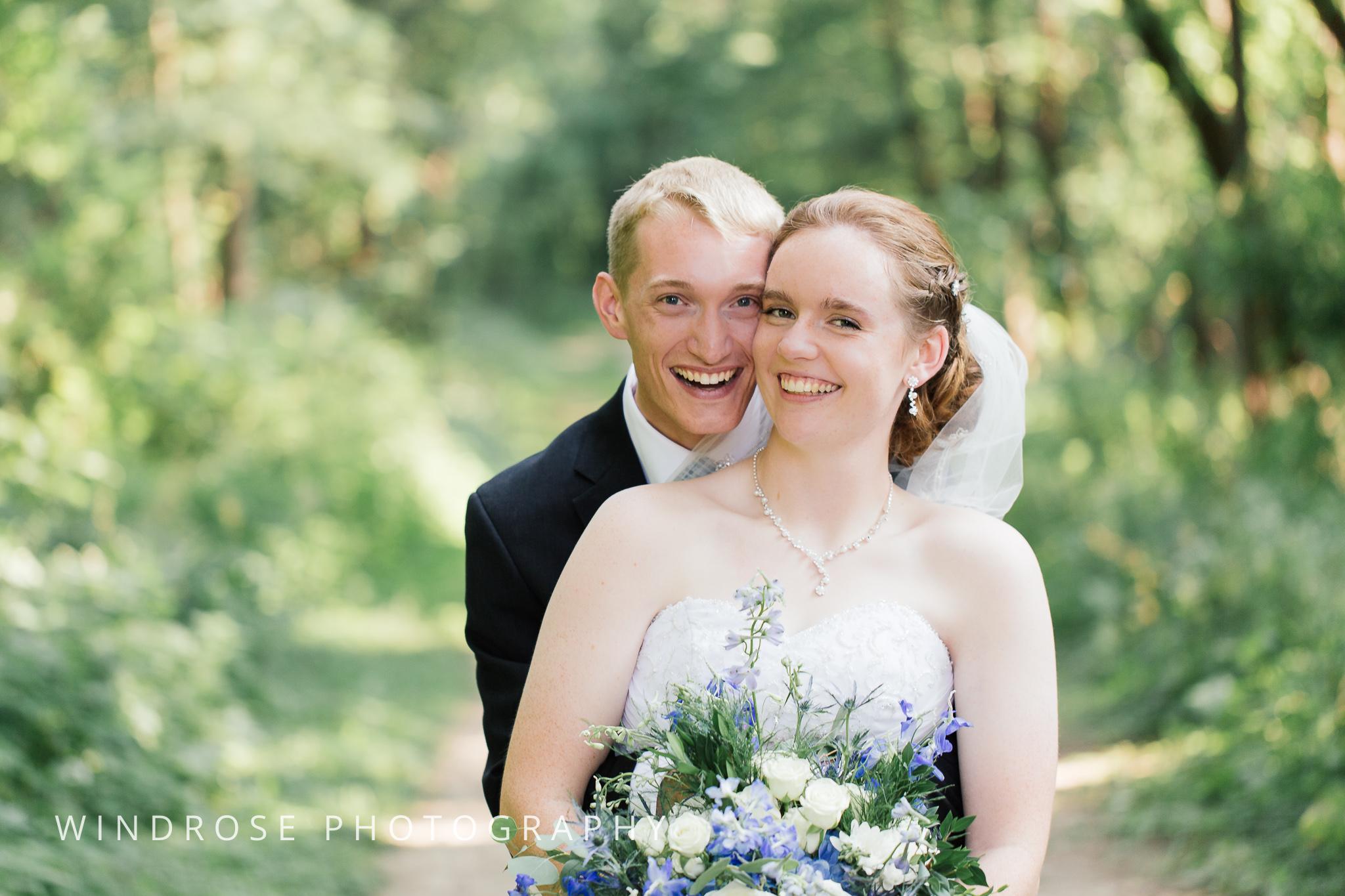 Wedding-Dakota-Lodge-St-Paul-MN-22.jpg