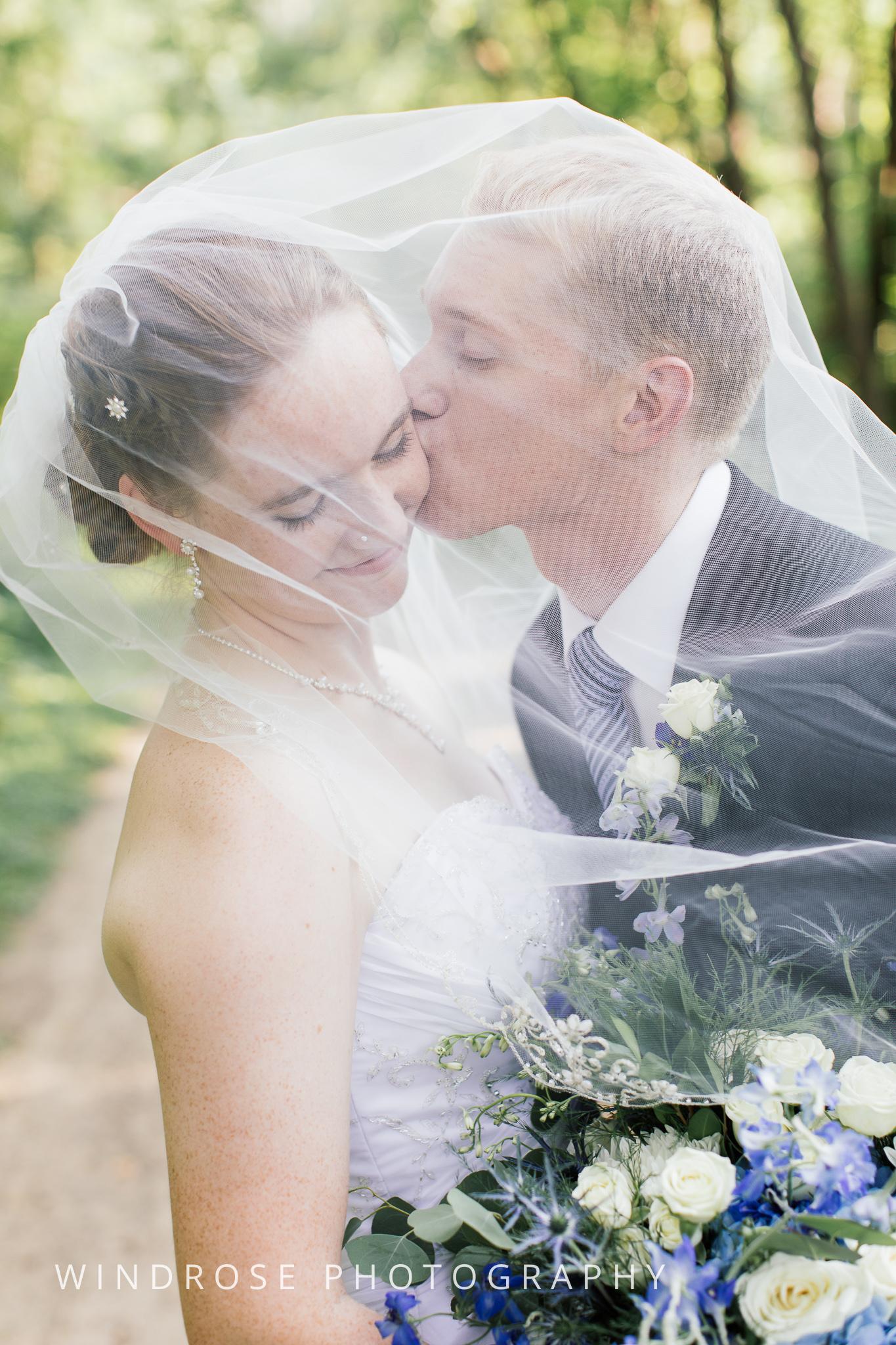 Wedding-Dakota-Lodge-St-Paul-MN-21.jpg