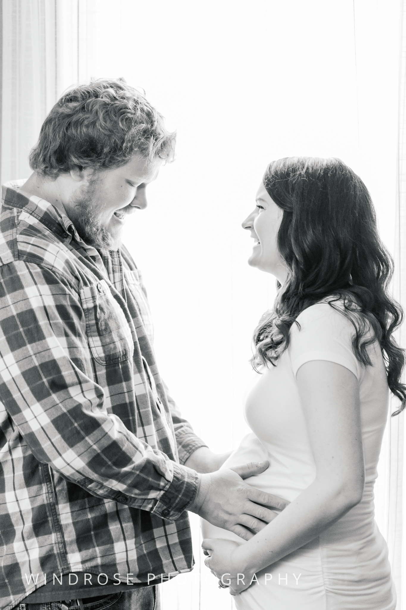 Maternity-Session-Portraits-Goodhue-MN-B&W-1.jpg