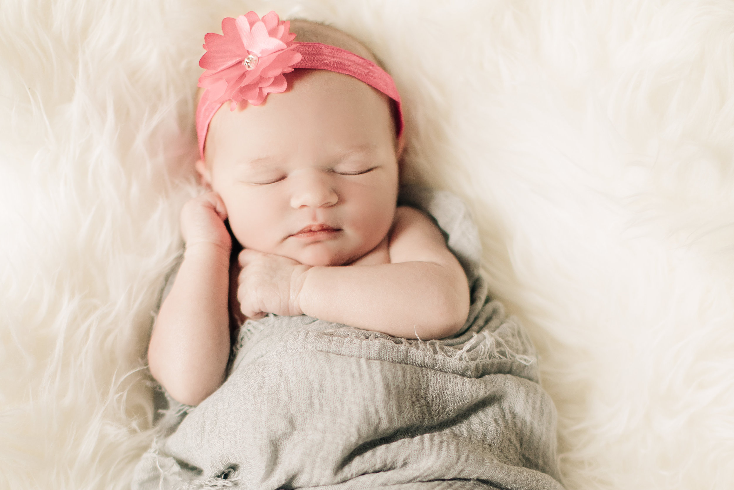 Newborn-Session-Goodhue-MN-093-5DM45489.jpg