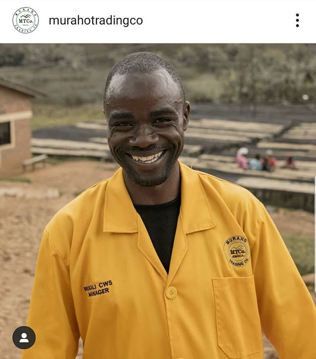 Loving the series @murahotradingco are doing on the people behind their coffees. Pictured is the smiling face of Radjab, station manager of Rugali CWS. Transparency is key for our industry to thrive and this project is taking it one step further. Nice one guys!  #transparency #transparentsupplychain #specialtycoffee #rwandancoffee #Rwanda #peopleofcoffee