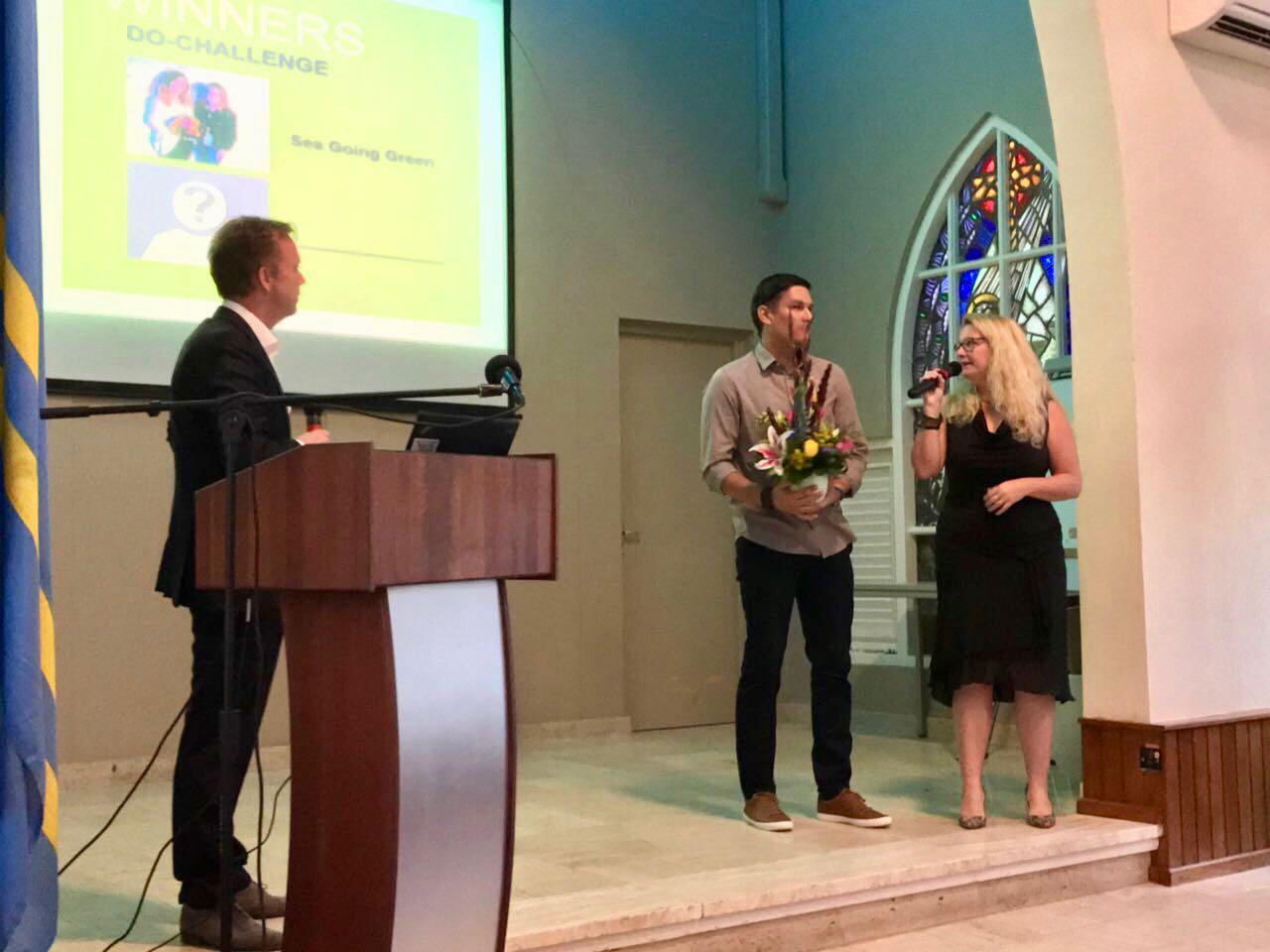 2nd Prize winner Marlon Kock of Bini Travel from Aruba won hotel and travel costs on Sint Maarten.