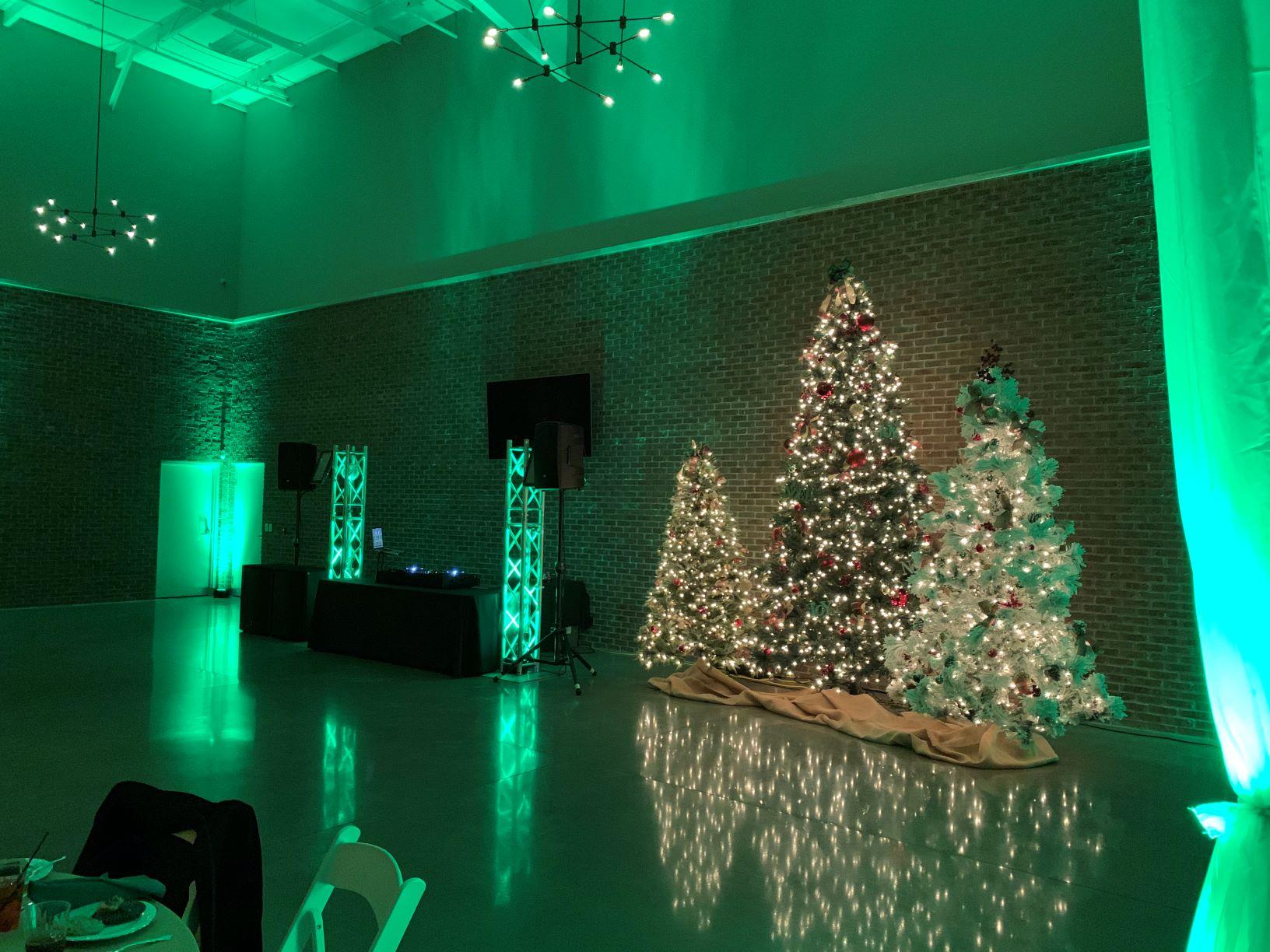 Elkhart Center 615 Green Uplighting