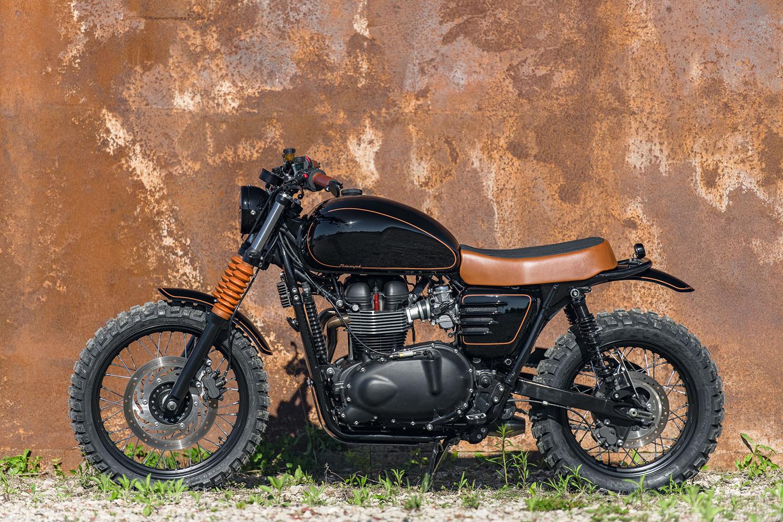 analog-motorcycles-triumph-black-and-tan-small-0024-1.jpg