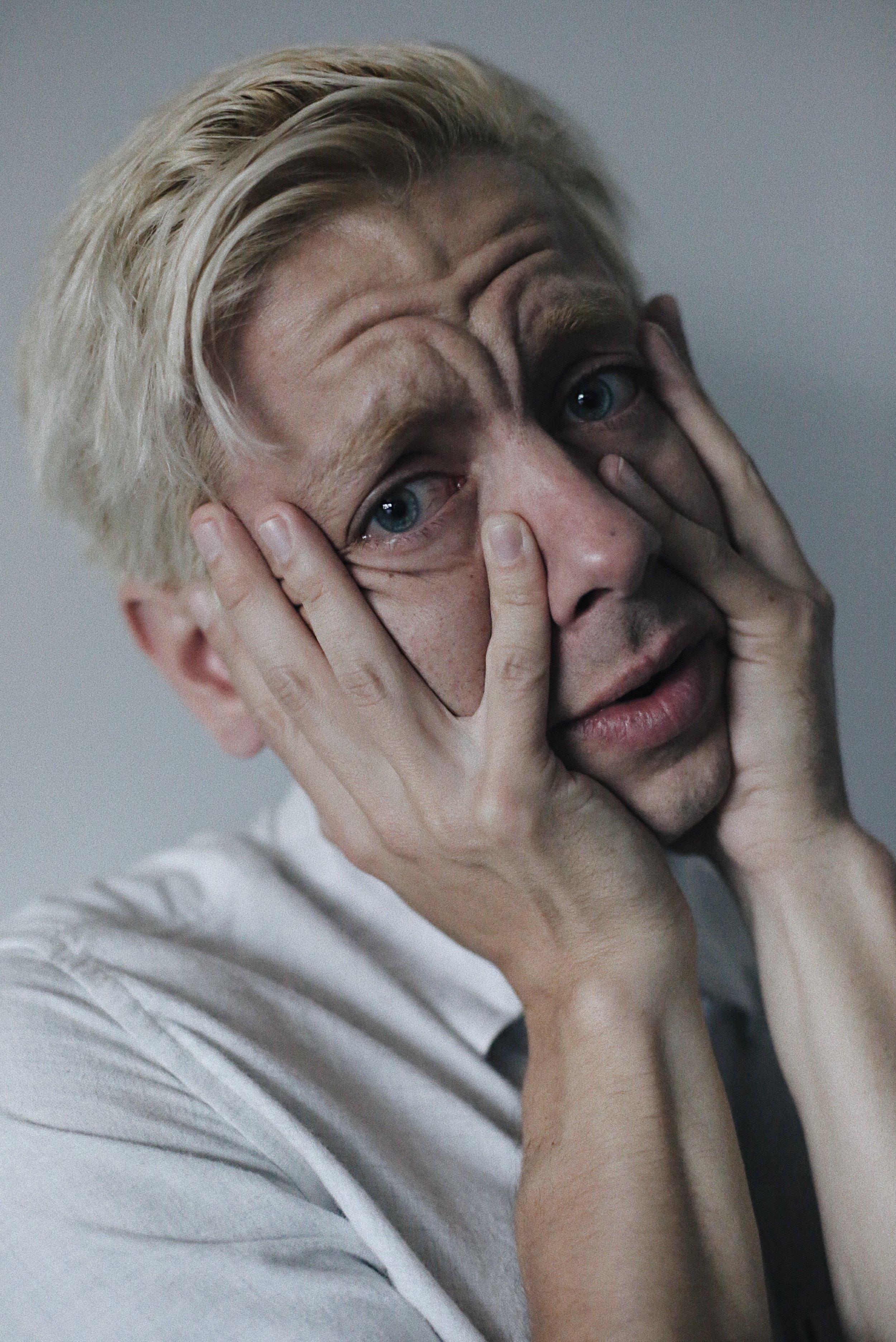 Klaus david simon crying.jpg