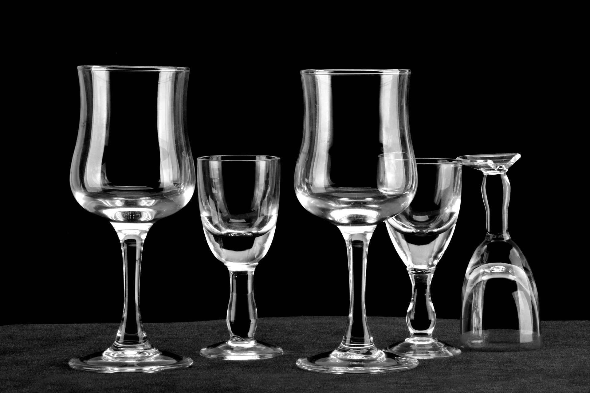 glass-1818417_1920.jpg