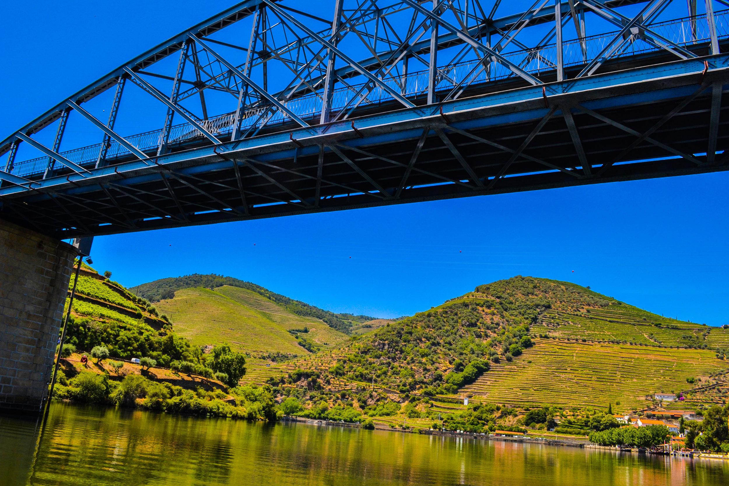 Douro Valley Bridge.jpg