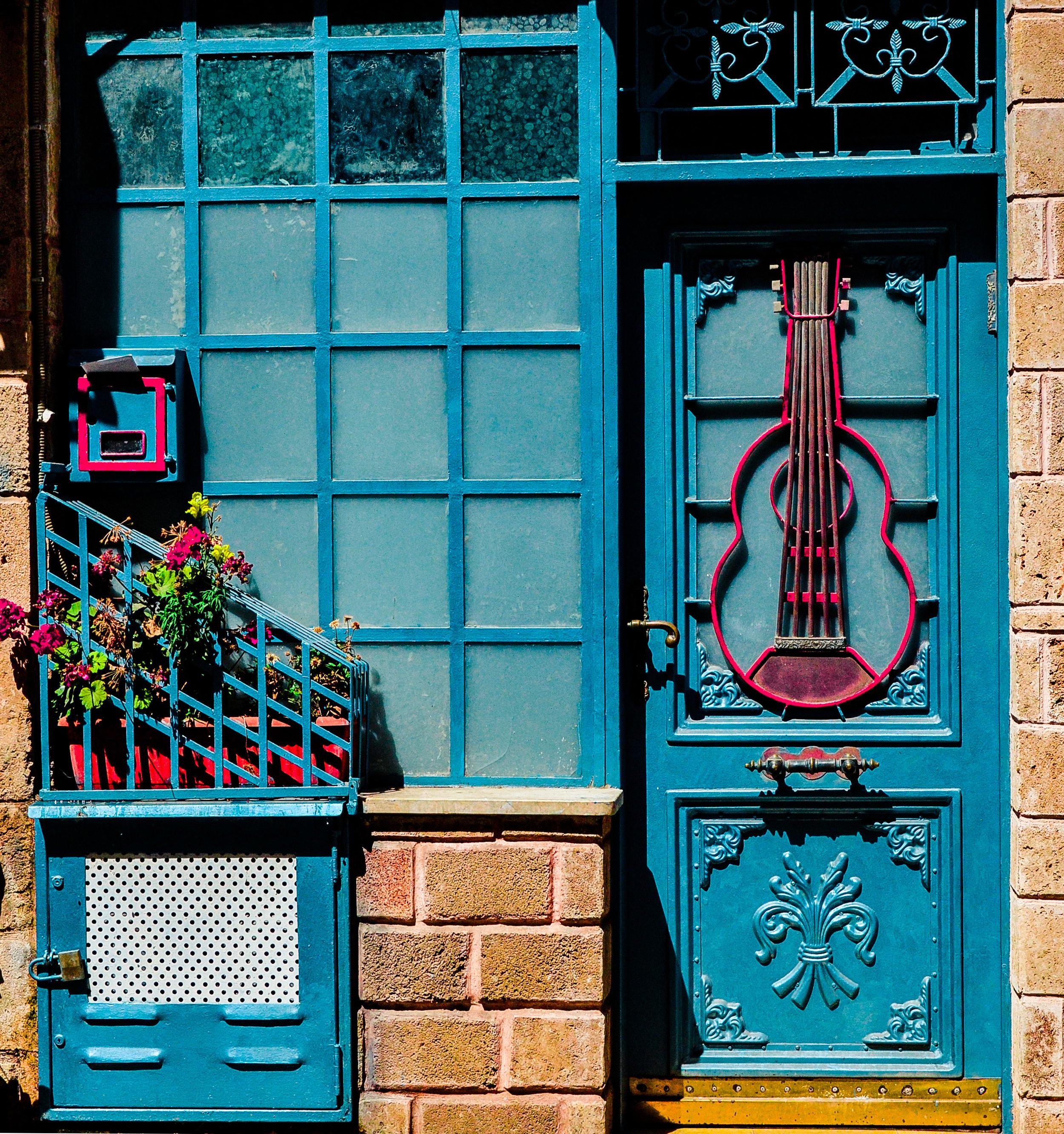 Red Guitar Door Tel Aviv.jpg