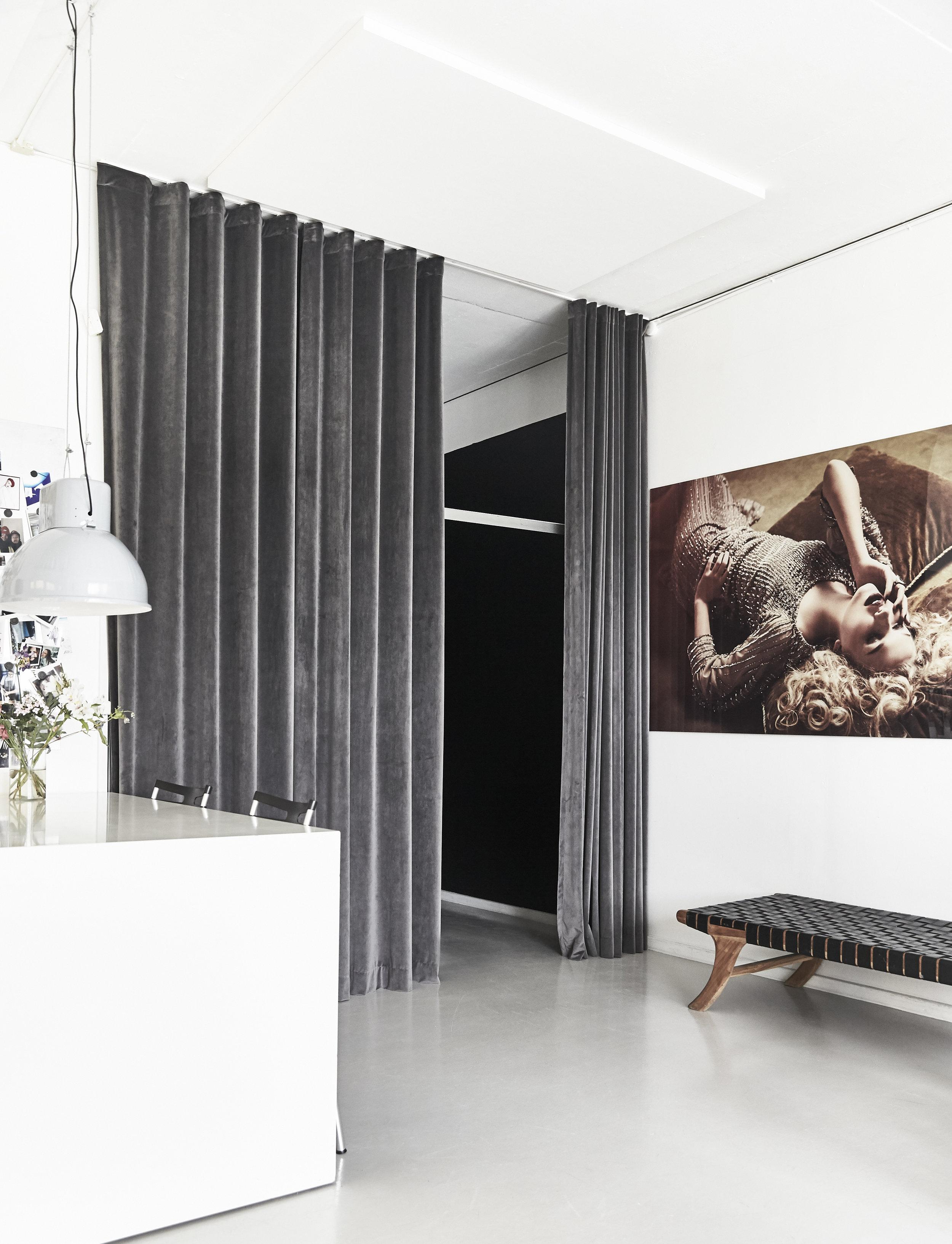 Velvet Dark Grey Sky i fotostudie København