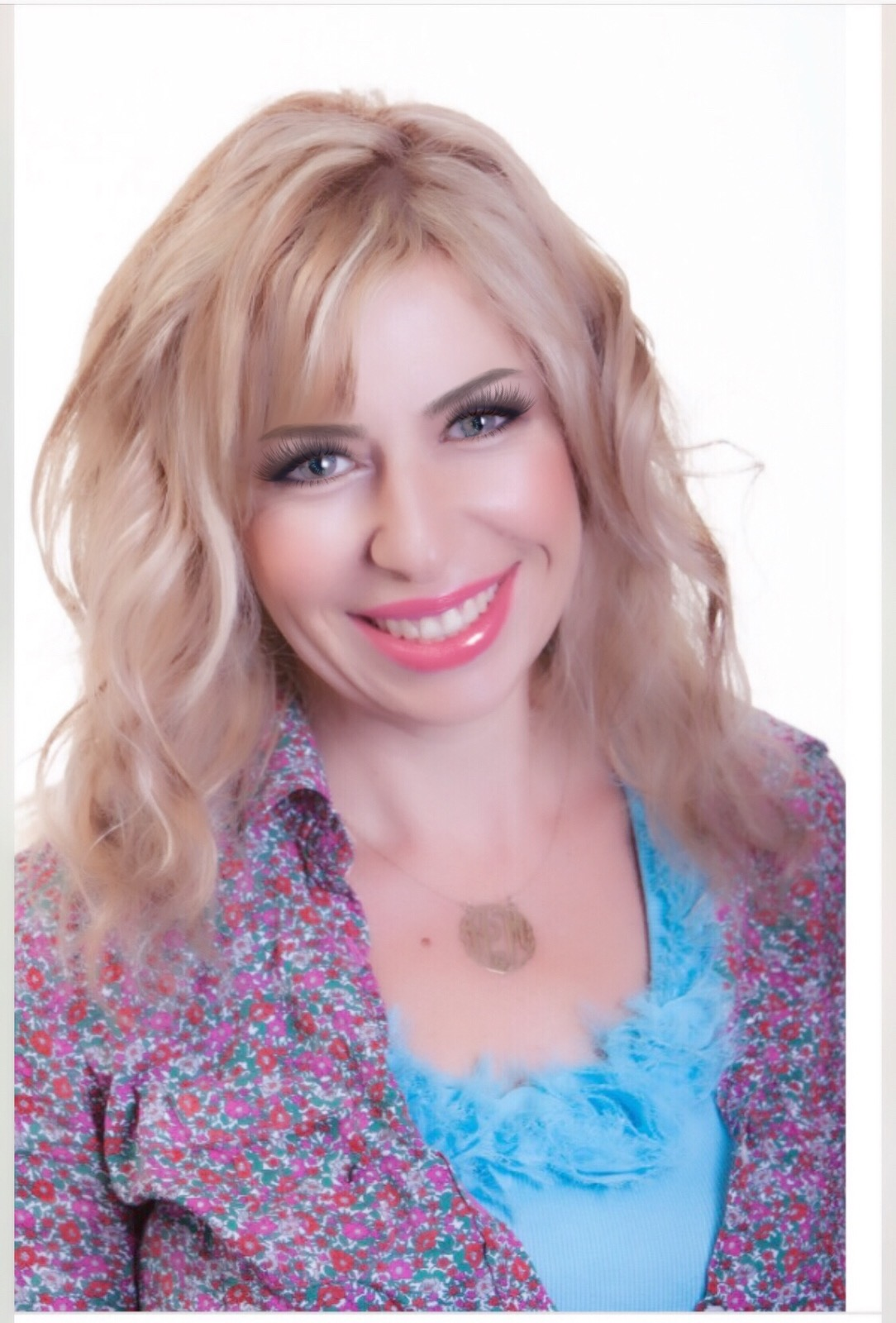 How Can I Help You Live Life to Your Fullest Potential? - The passion I have for health and nutrition comes from my great appreciation of life.My goal is to empower you to live a vibrant life by teaching you how to have a healthy body, mind and spirit.I build powerful relationships with my clients and we work together to achieve your greatest health dreams. We start out by exploring your goals and coming up with scientific strategies for success. I am a busy woman, mother,friend, exercise fanatic and lover of life. I want to help you start thriving and feeling great, not just surviving on auto-pilot!
