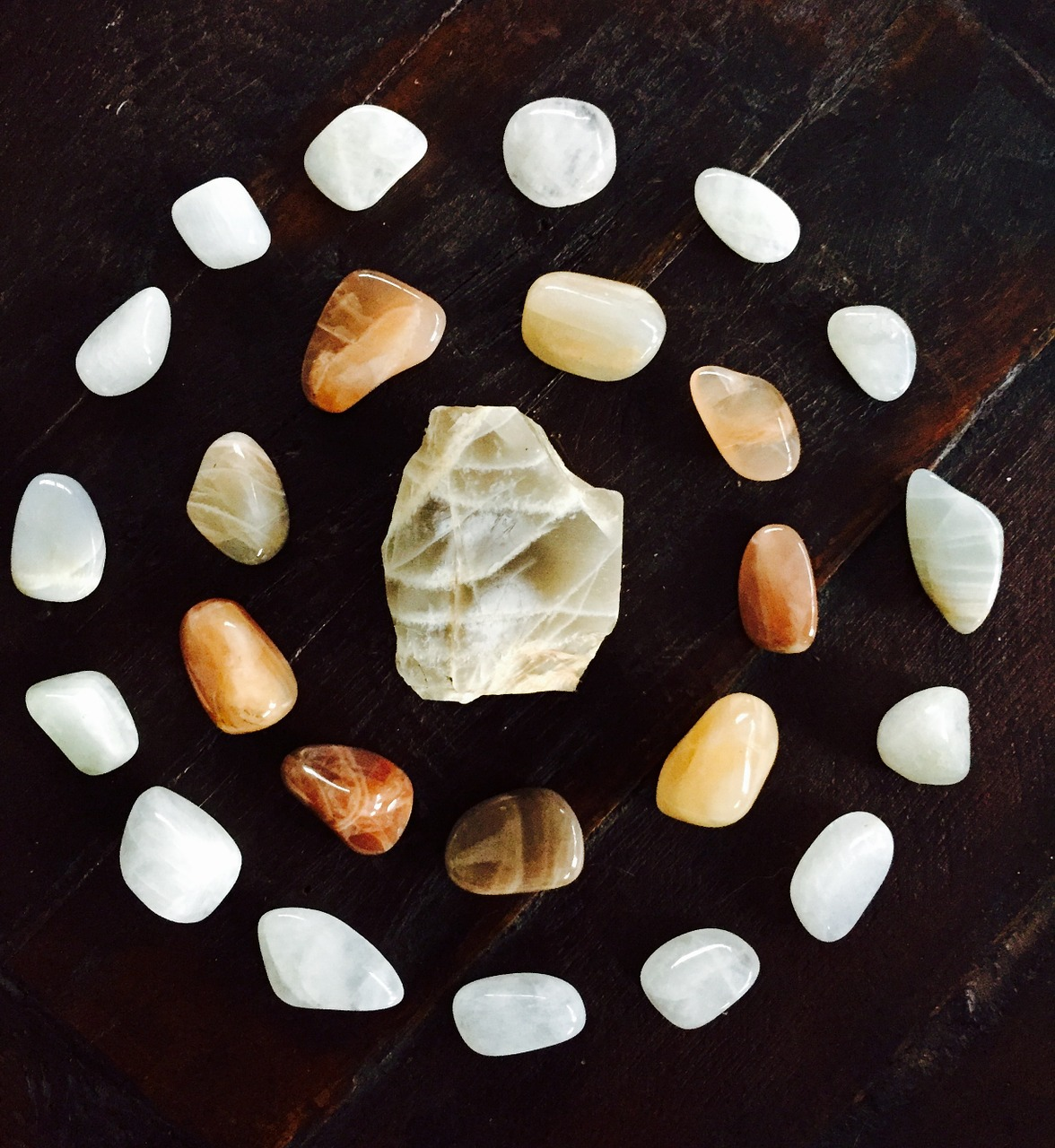 Moonstone-Crystal-healing-Mandala-Cycles-Gemstone-1447240.jpg
