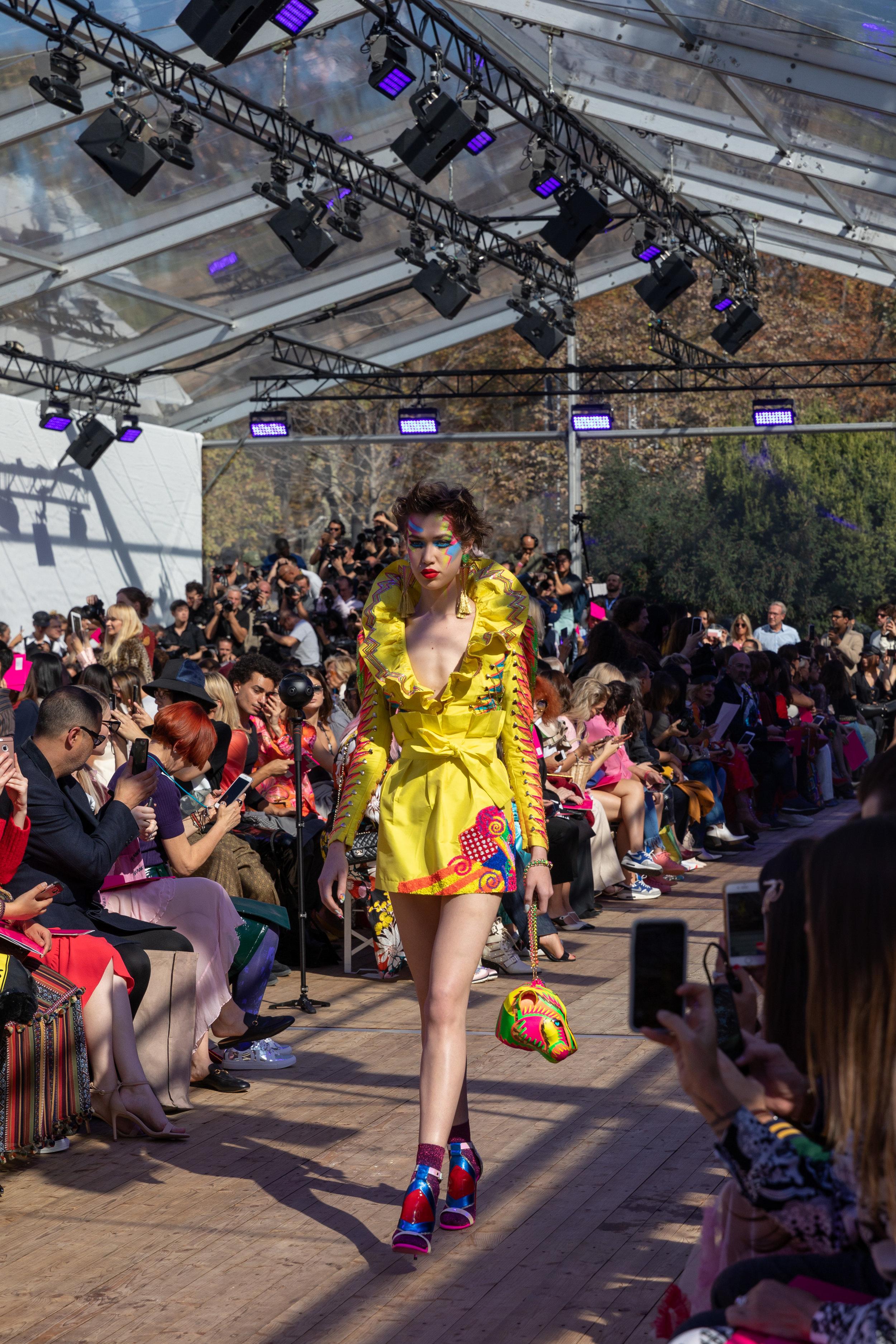 Manish-Arora-Paris-Fashion-Week-Spring-2019_by_Alexis_Breugelmans_001.jpg