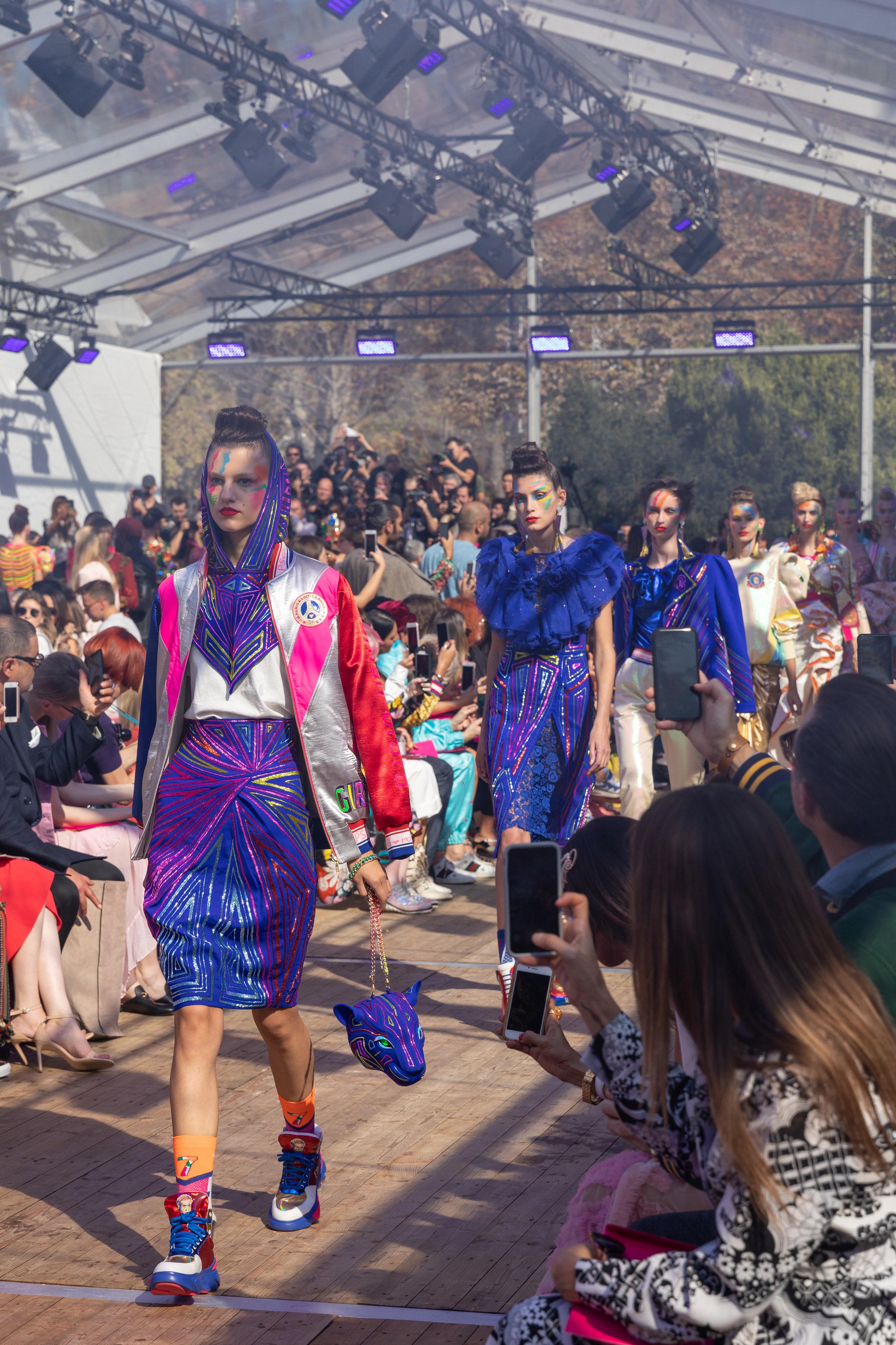 Manish-Arora-Paris-Fashion-Week-Spring-2019_by_Alexis_Breugelmans_002.jpg