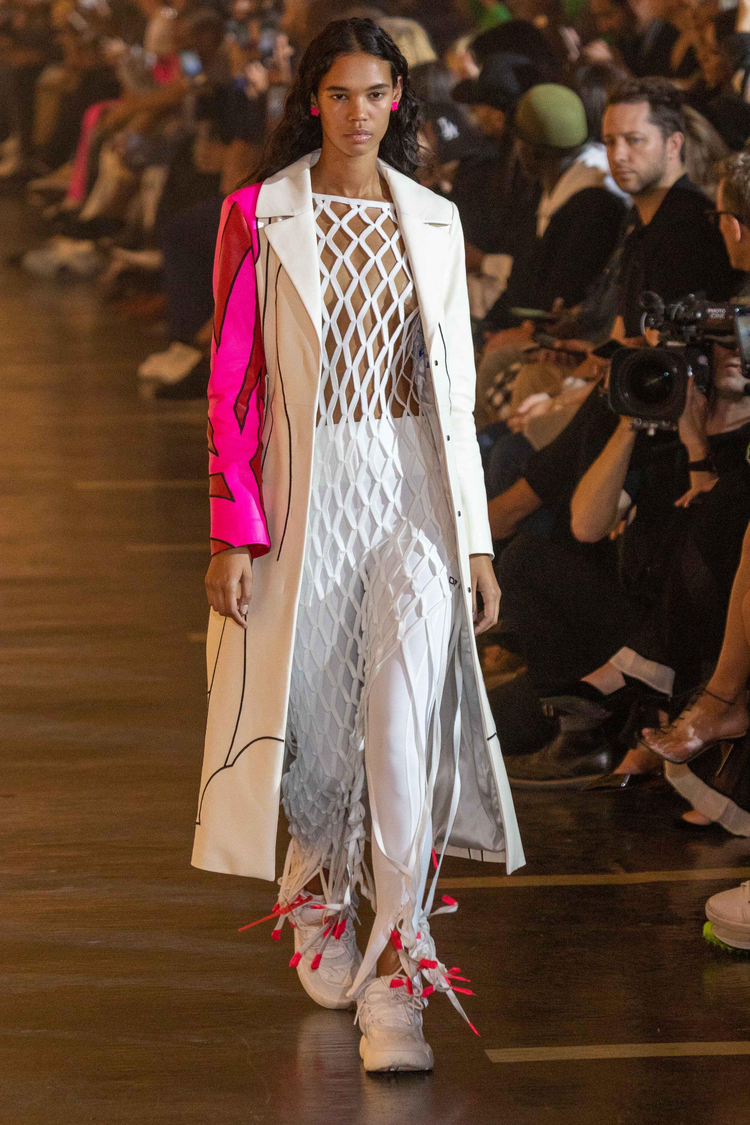 Runway OFF-WHITE during Paris Fashion Week© Alexis Breugelmans