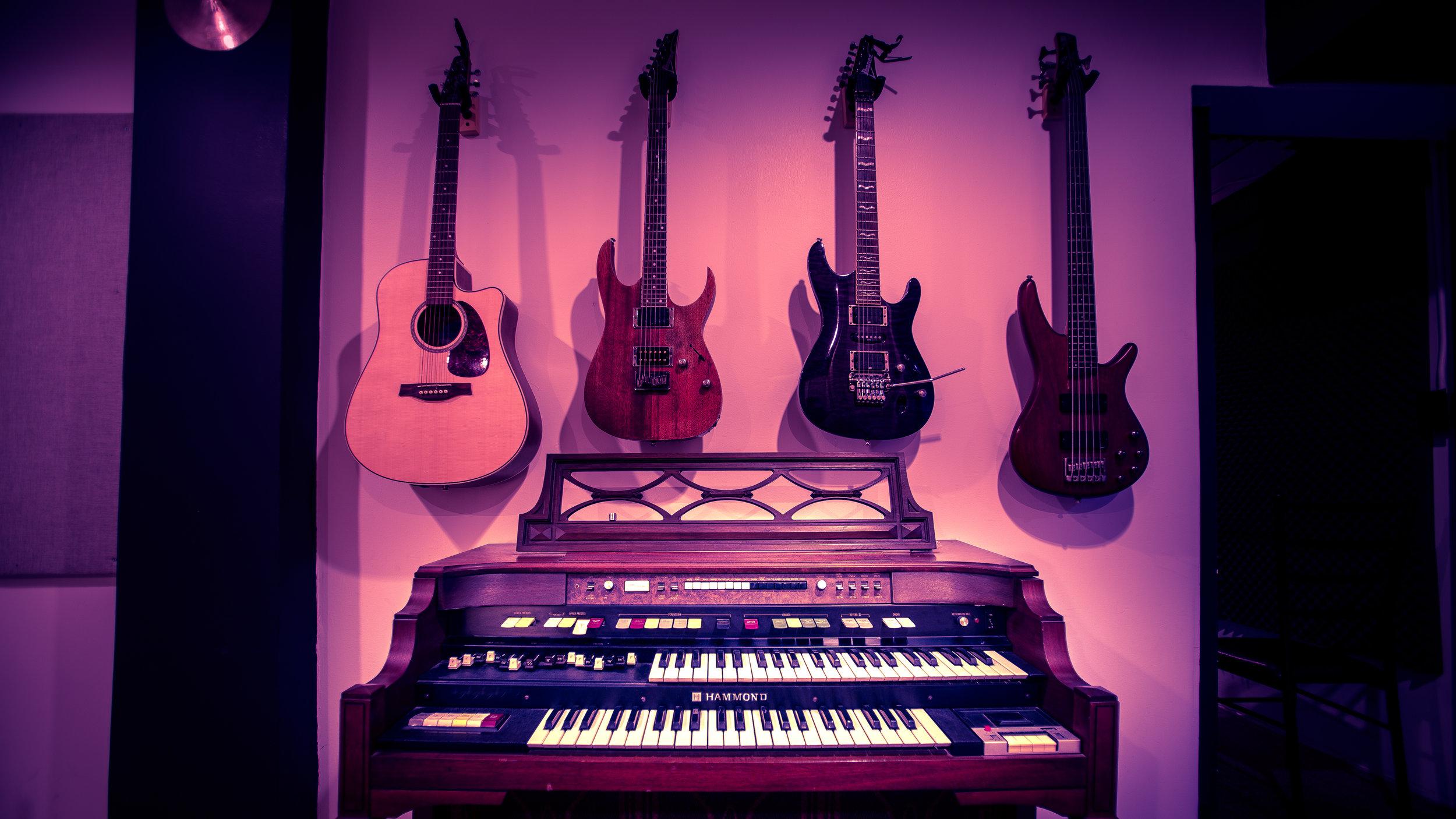 guitarsorgan.jpg