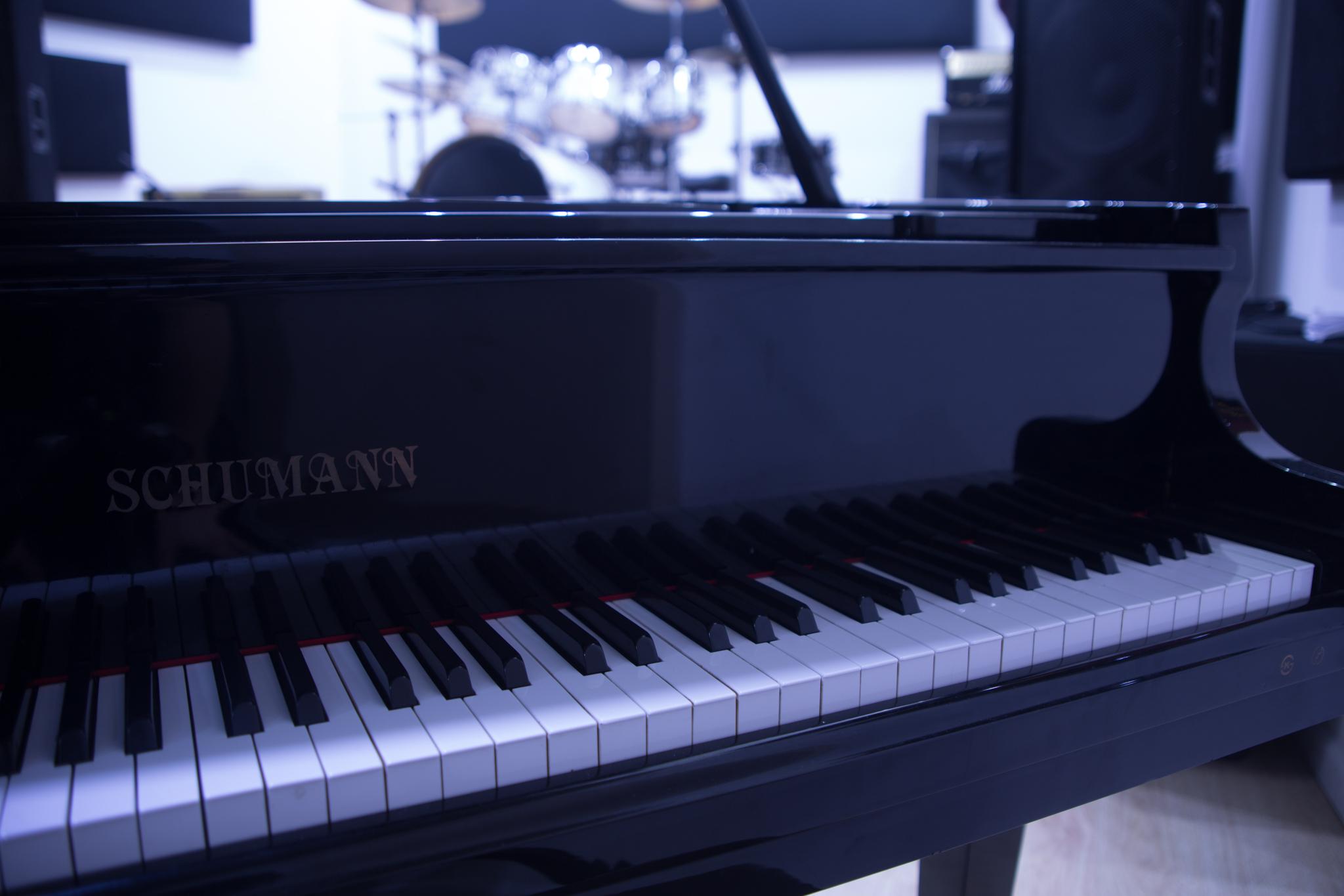 piano272.jpg