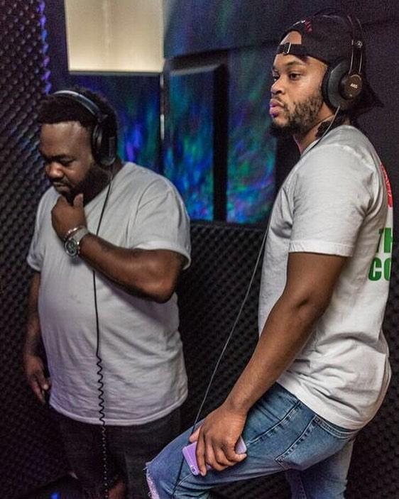 @cashmiere.official X @bigcake08 cookin in the booth 🍳 👨🍳 ⠀ 📷: @artlikeus⠀ •⠀ •⠀ •⠀ •⠀ •⠀ #vocalbooth #studioporn #rapper #hiphop #studio #musicstudio #recordingstudio #losangeles #talent