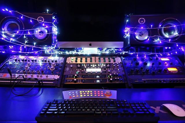 When they want a brighter mix... ✨Happy Holidays from XLNT!✨ • • • • • #recordingstudio #studio #studioporn #xmas #xlntstudios #console #universalaudio #holidays #hollywood #recording #newmusic