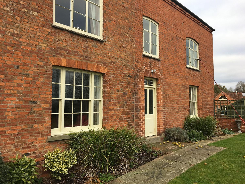 red_brick_house_Ledbury_window_cleaning.JPG