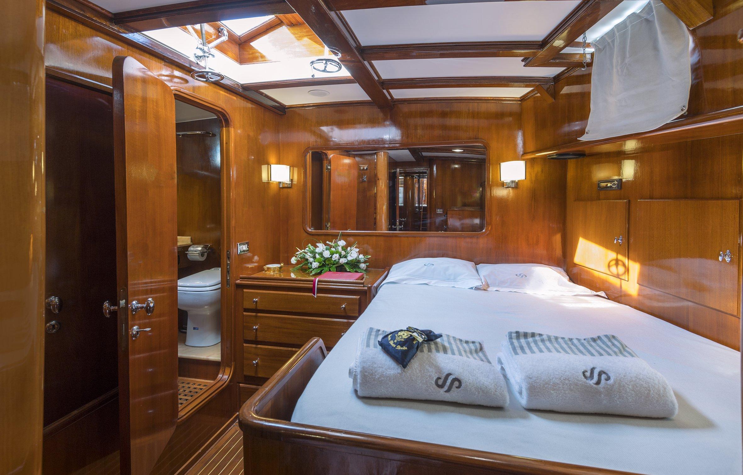 seaprince_cabin140_phBluePassion.jpg