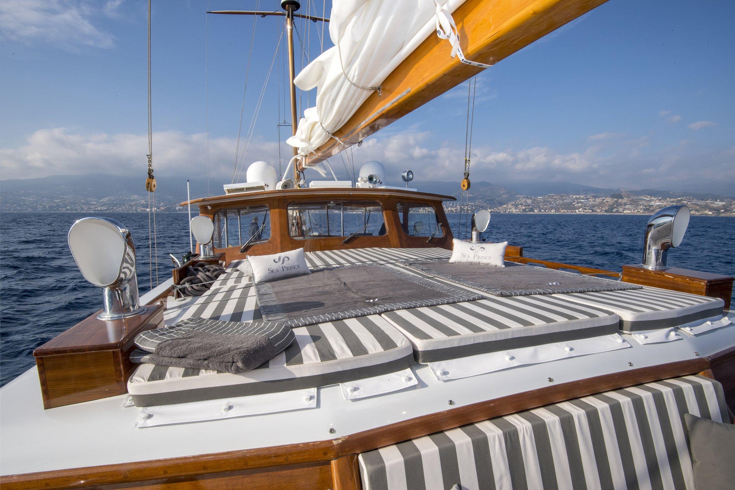 seaprince_deck459_phBluePassion.jpg