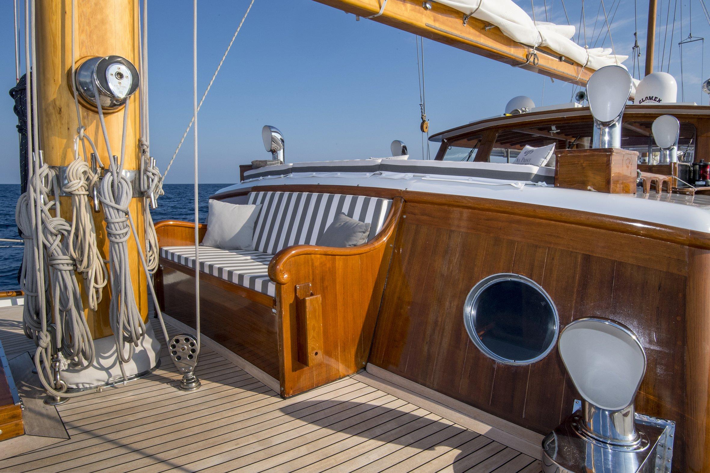 seaprince_deck471_phBluePassion.jpg