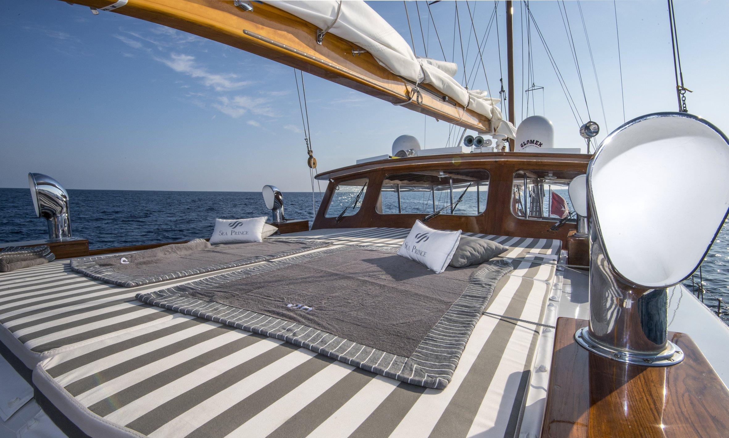 seaprince_deck474_phBluePassion.jpg