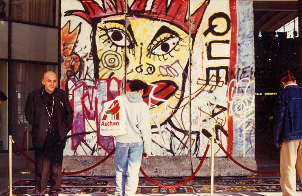 citny-wall-paris.jpg
