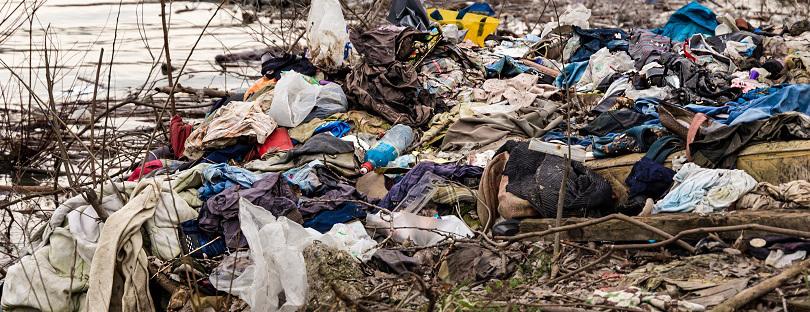 shutterstock_615337061-1-clothes-polution.jpg