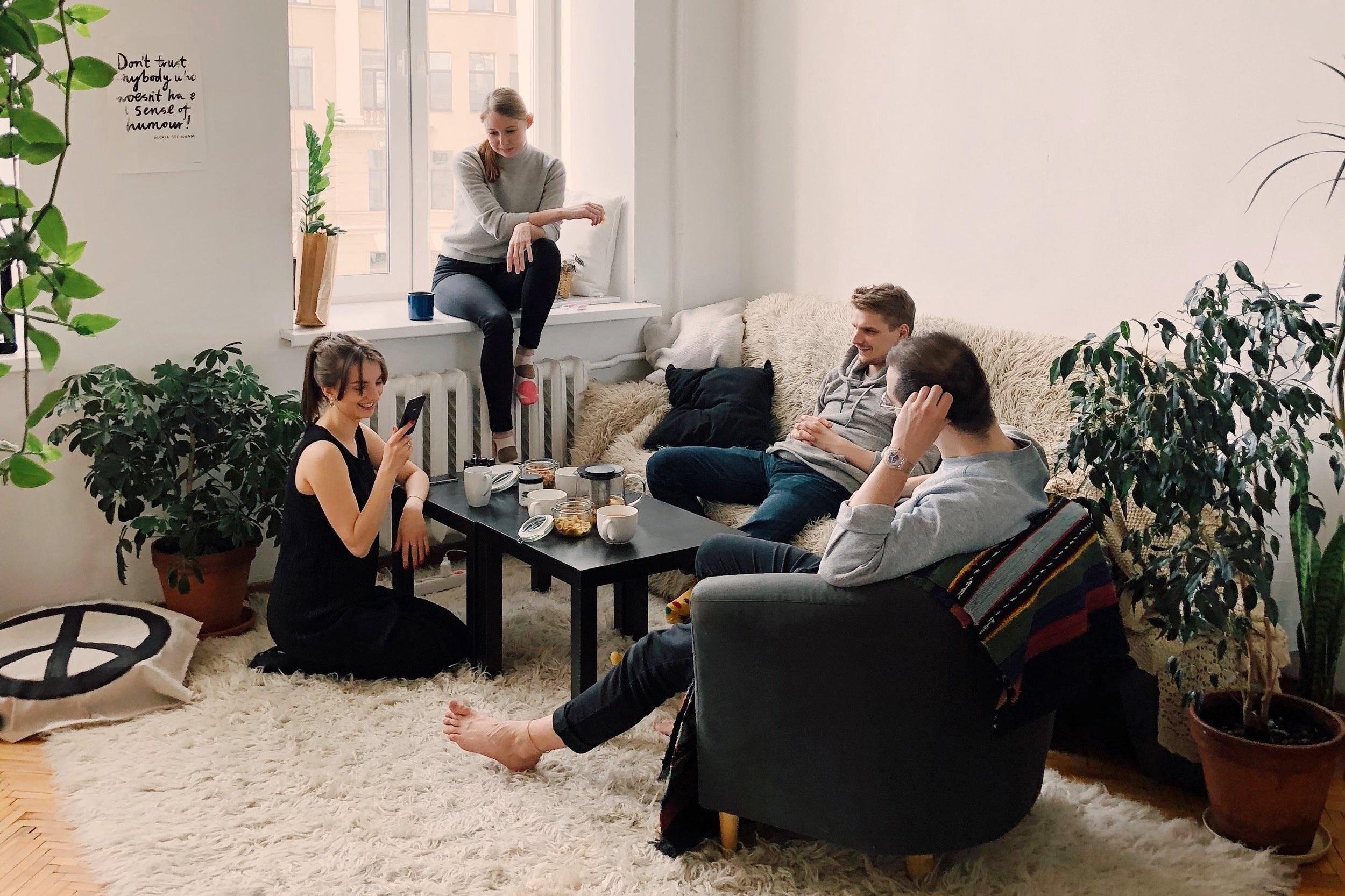 adult-apartment-carpet-1054974+%281%29.jpg