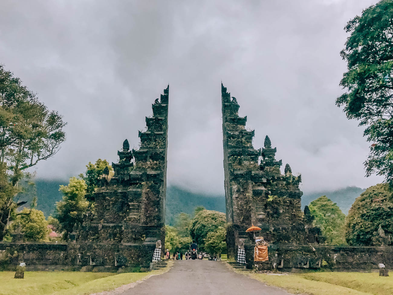 north-bali-handara-gates-2.jpg