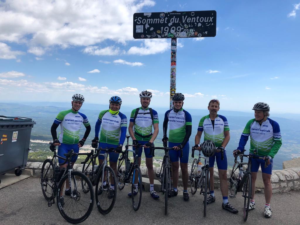 Deze helden hebben 31-5-2019 de Mt Ventoux beklommen!