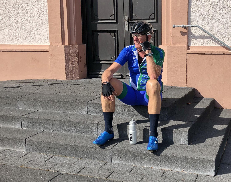 Gerrit-Jan heeft zijn zadel afgebroken.