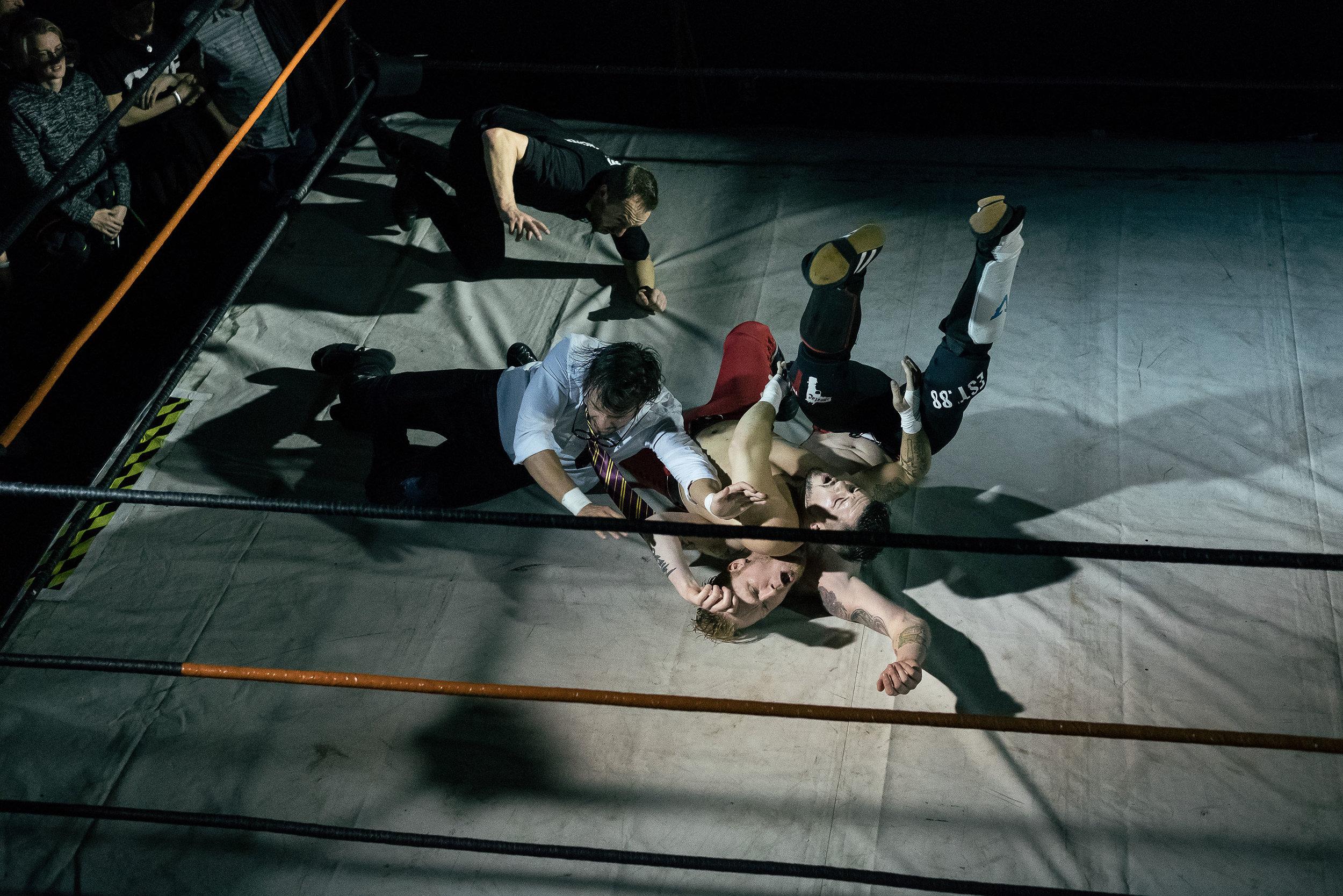 98_wrestling.jpg