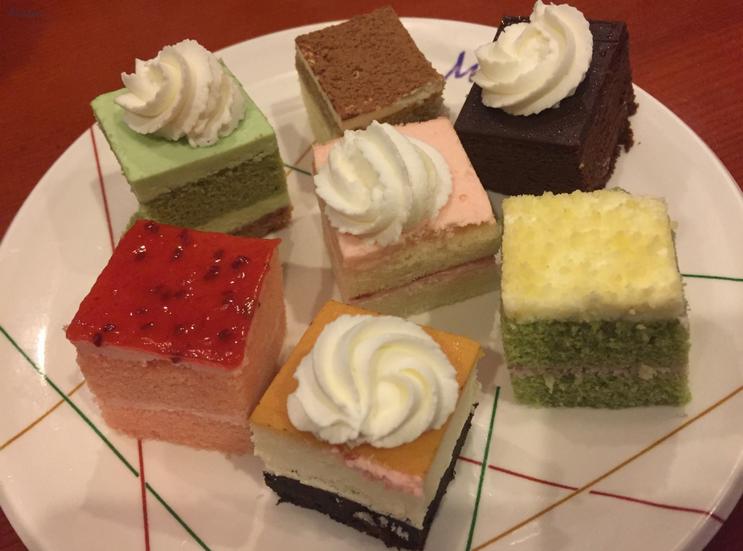 KMartinelli Blog_Writer & Marketer_Minados Restaurant_Dessert