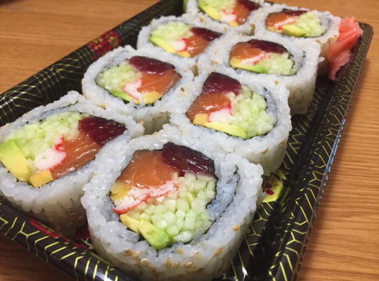 Kristen Martinelli Blog_KMartinelli Writer & Marketer_Sushi_Circle Farms Sushi_Route 23_NJ.png