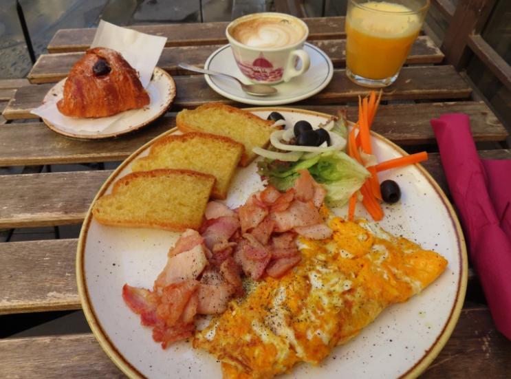 I Ghibellini Cafè _ My Best Florence Morning _Florence Italy_Kristen Martinelli _K.Martinelli Blog .jpg