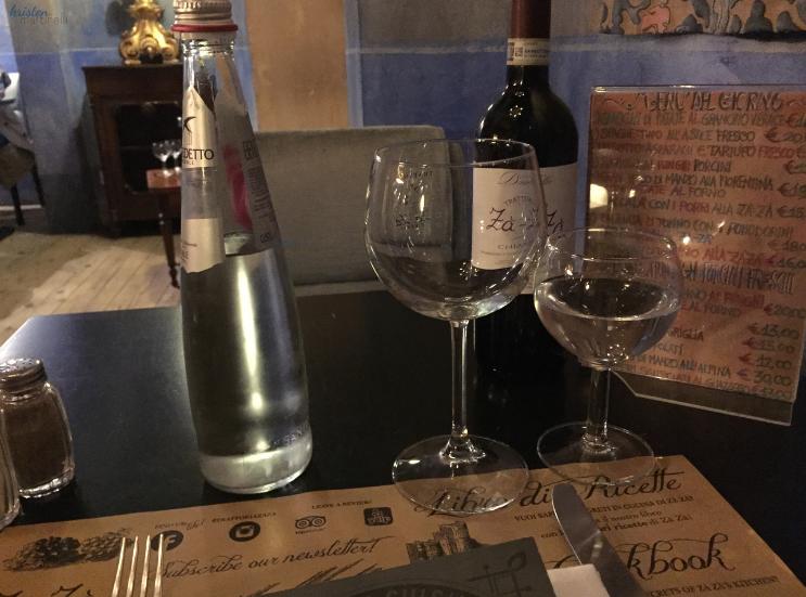 Trattoria Za Za _ Florence Italy_Table Setting_K.Martinelli Blog_Kristen Martinelli.png
