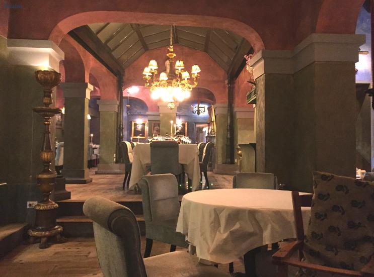 Trattoria Za Za _ Florence Italy_Dining Room_K.Martinelli Blog_Kristen Martinelli.png