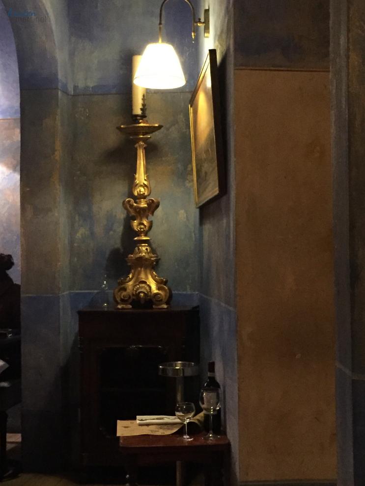 Za Za Trattoria Firenze  My Last Meal in Florence_Lights_K.Martinelli Blog_Kristen Martinelli.png