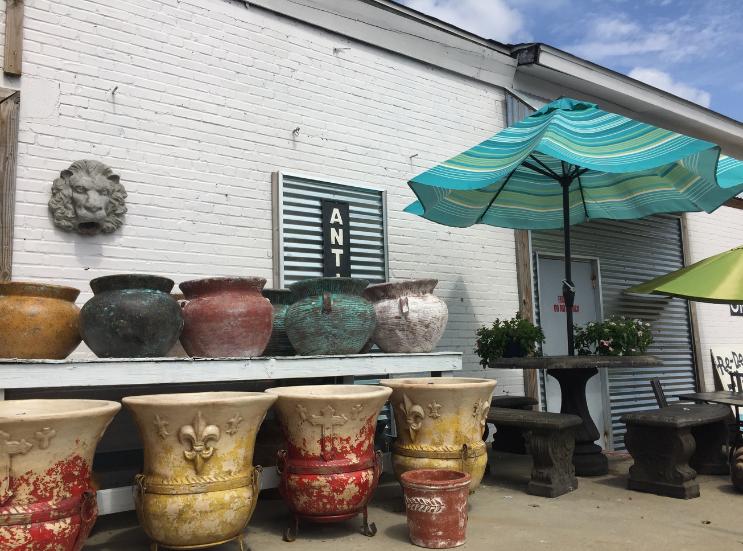 Vintageville Antiques and Farmer's Market_Flower Pots_Columbus GA_K. Martinelli Blog_Kristen Martinelli.png