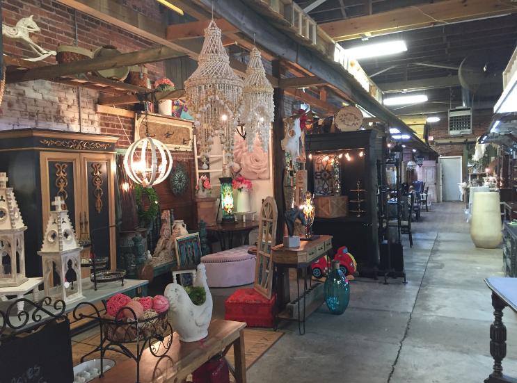 Vintageville Antiques and Farmer's Market_Displays_Columbus GA_K. Martinelli Blog_Kristen Martinelli.png