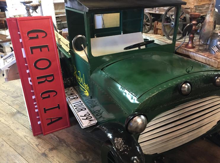 Vintageville Antiques and Farmer's Market_Car_Columbus GA_K. Martinelli Blog_Kristen Martinelli.png